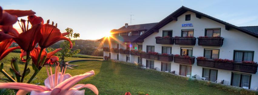 Hotel Bayerischer Wald mit Hallenbad, Wellness-Bereich und Saunen für Urlaub im Bayerischen Wald.