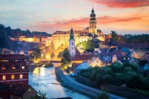 Das Hotel Binder im Passauer Land ist nicht nur der ideale Ausgangspunkt für Ausflüge im Bayerischen Wald: Die bezaubernde Stadt Cesky Krumlov an der Moldau ist nur 90 Fahrtminuten vom Hotel Binder in Büchlberg entfernt.
