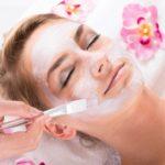 Im Wellnesshotel Binder Bayerischer Wald erhalten Sie eine hochwertige Anti-Aging Behandlung für Ihr Gesicht.