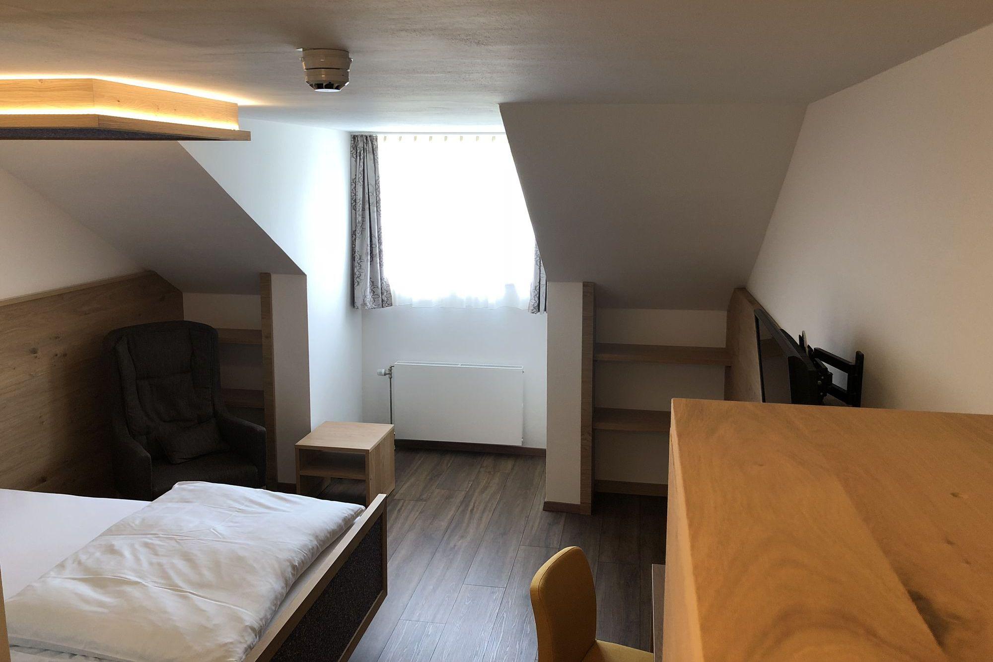 http://www.hotelbinder.de/wp-content/uploads/einzelzimmer1_2.jpg