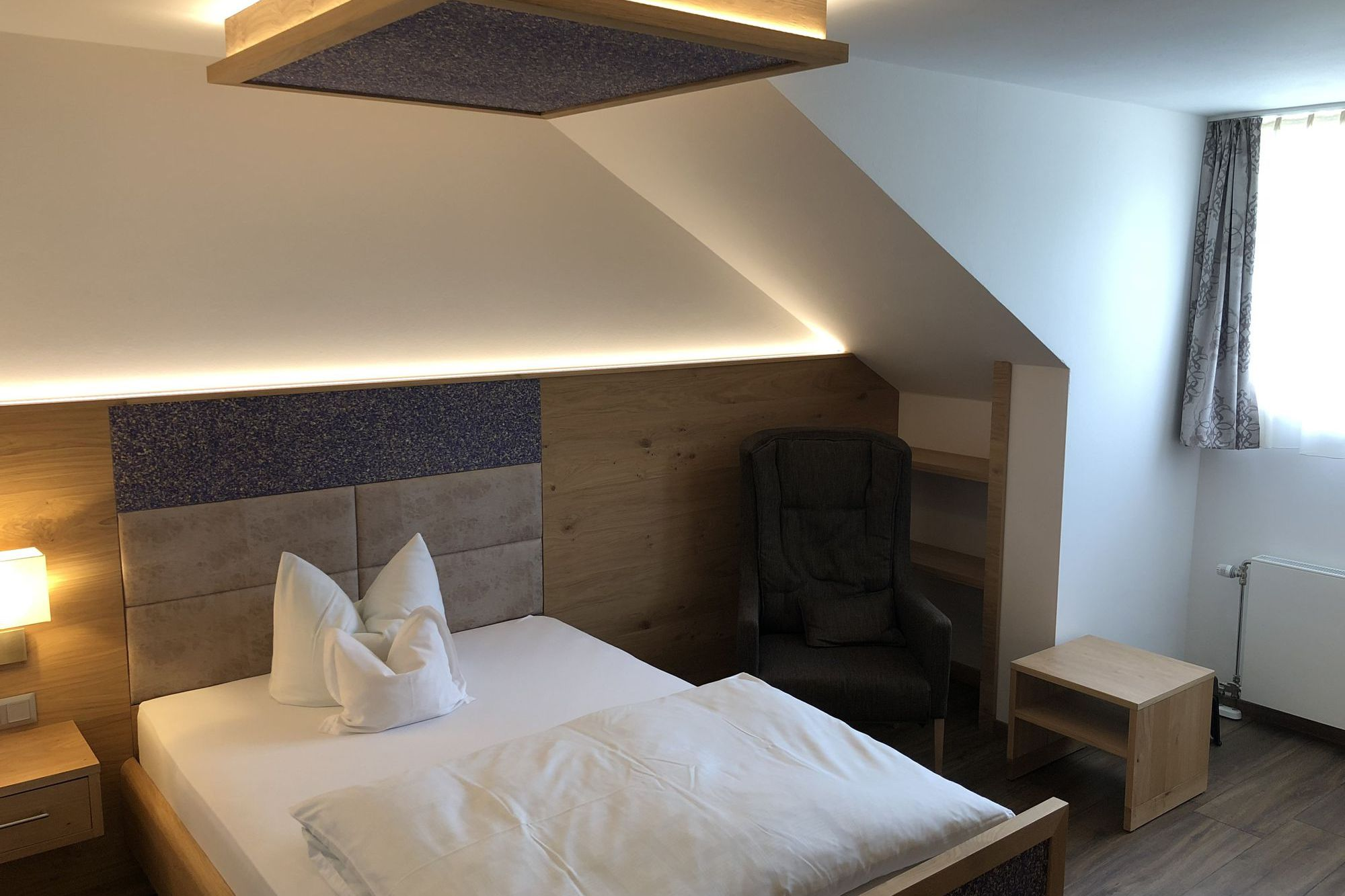 https://www.hotelbinder.de/wp-content/uploads/einzelzimmer1_4.jpg