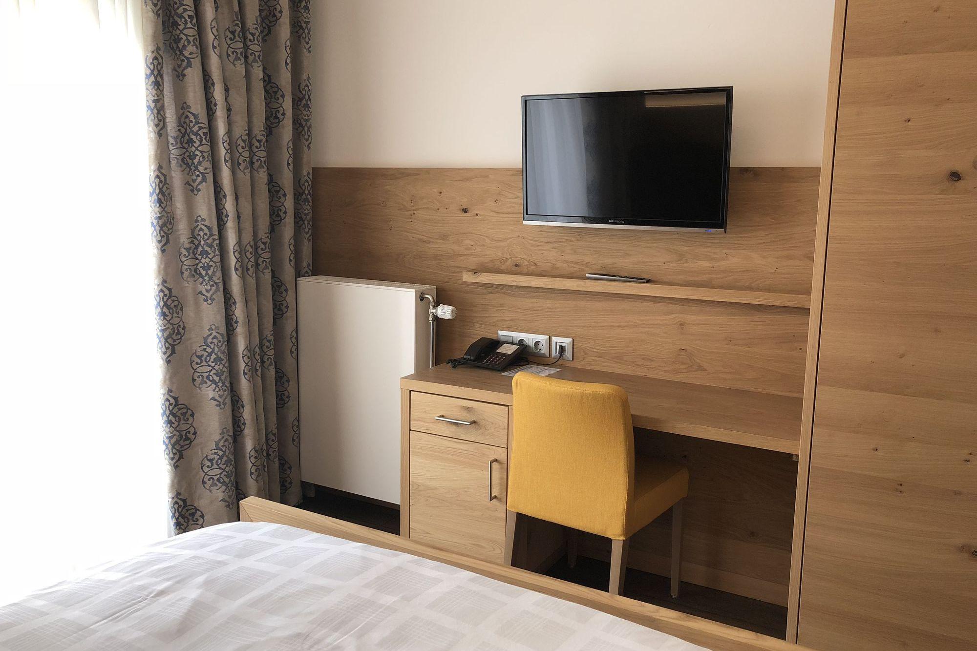 https://www.hotelbinder.de/wp-content/uploads/einzelzimmer2_2.jpg