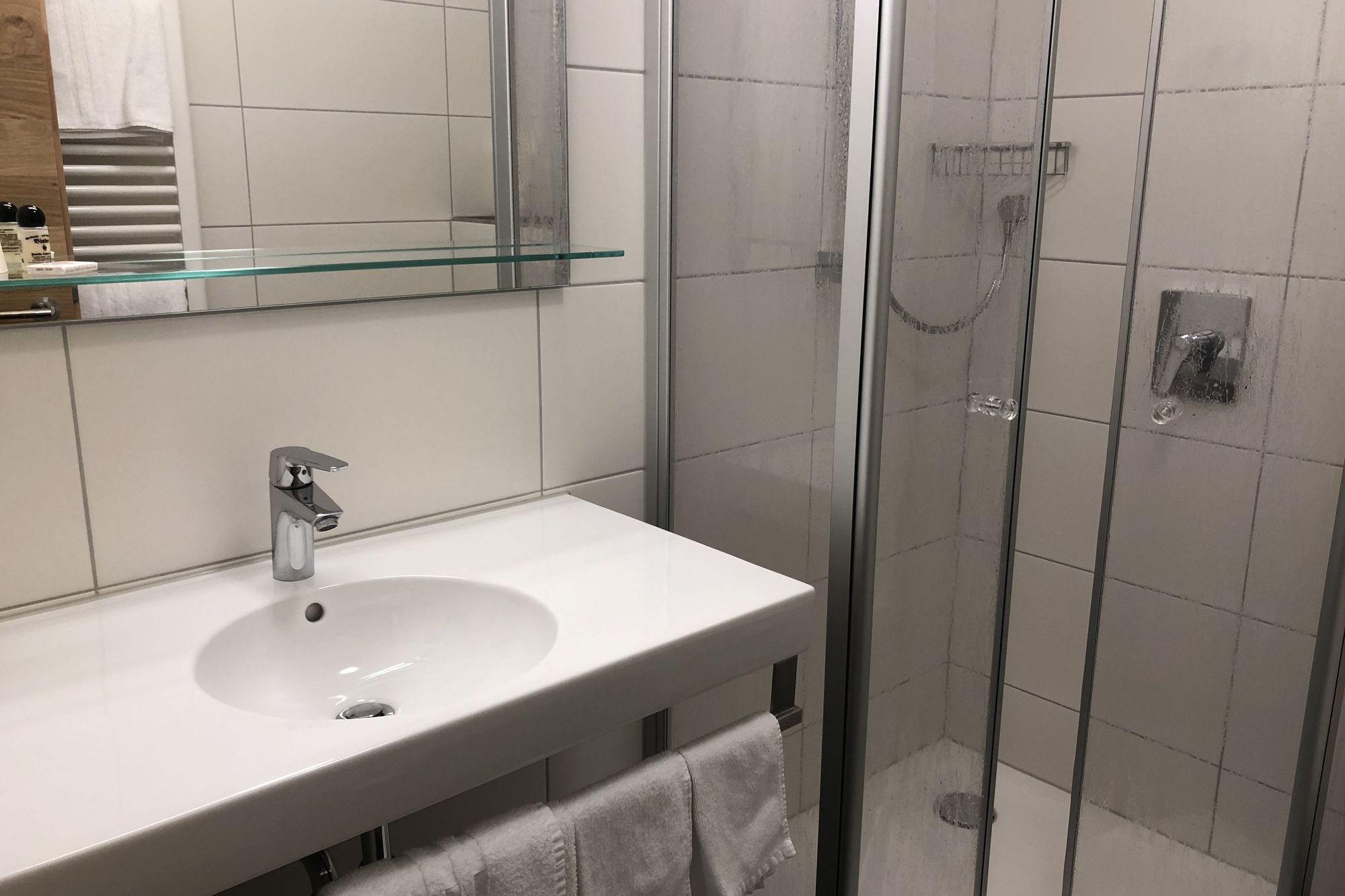 https://www.hotelbinder.de/wp-content/uploads/einzelzimmer2_6.jpg