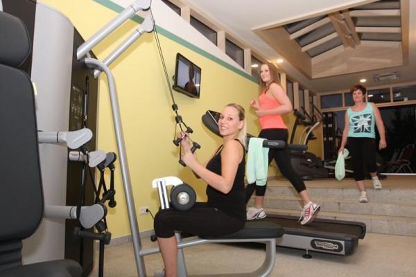 Fitness und Wellness im Wellnesshotel Binder mit Fitnessraum im Bayerischen Wald